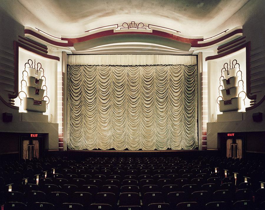 Кинотеатры мира в фотопроекте Стефана Заубицера_ «В этих залах есть ощущение тайны» 9