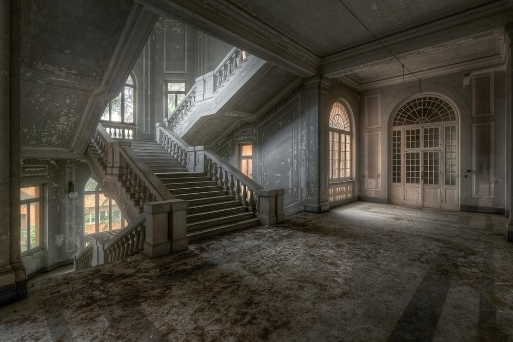 Красивые заброшенные здания Италии (16)