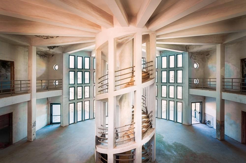 Красивые заброшенные здания Италии (17)