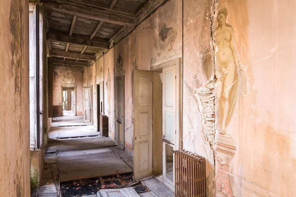 Красивые заброшенные здания Италии (20)
