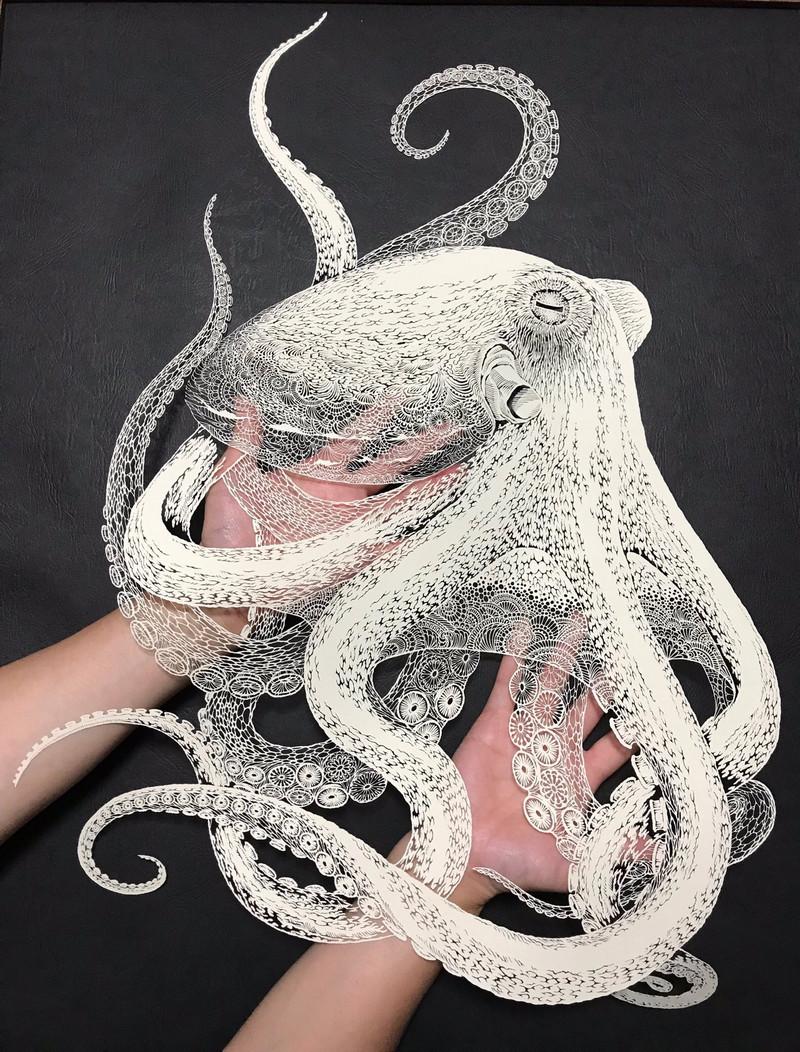 Тонкое японское искусство – осьминог_ вырезанный из одного листа бумаги 2