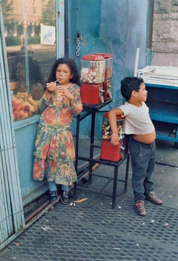 Уличная жизнь Нью_Йорка с 1930_х до 80_х годов в фотографиях Элен Левитт 10