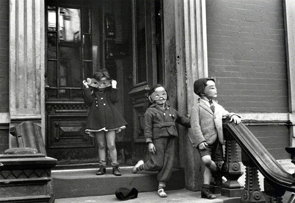 Уличная жизнь Нью_Йорка с 1930_х до 80_х годов в фотографиях Элен Левитт 13