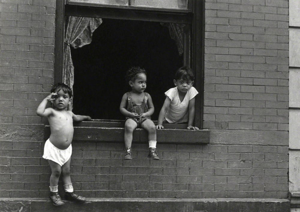 Уличная жизнь Нью_Йорка с 1930_х до 80_х годов в фотографиях Элен Левитт 14