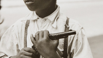 Улицы Нью-Йорка 1930-80-х годов глазами фотографа Элен Левитт