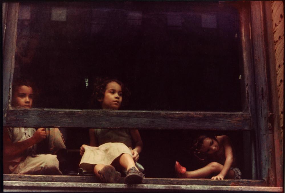 Уличная жизнь Нью_Йорка с 1930_х до 80_х годов в фотографиях Элен Левитт 7