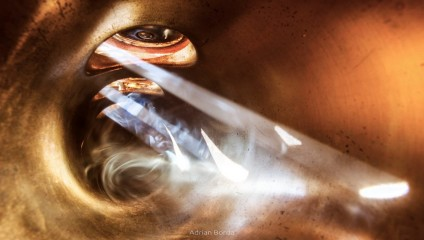 Волшебство музыки: фотографии, сделанные внутри музыкальных инструментов