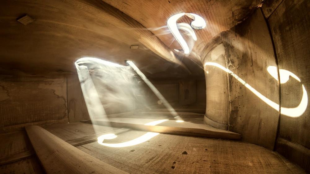Волшебные фотографии_ снятые внутри виолончели и других музыкальных инструментов 9