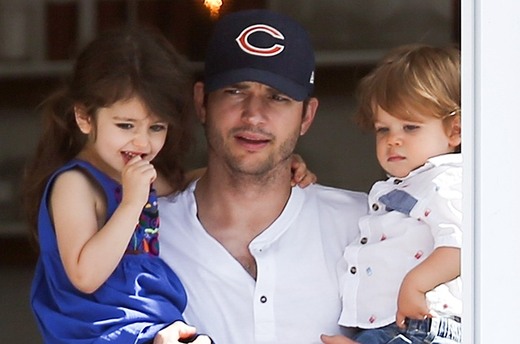 *EXCLUSIVE* Ashton Kutcher and Mila Kunis have breakfast with the kids