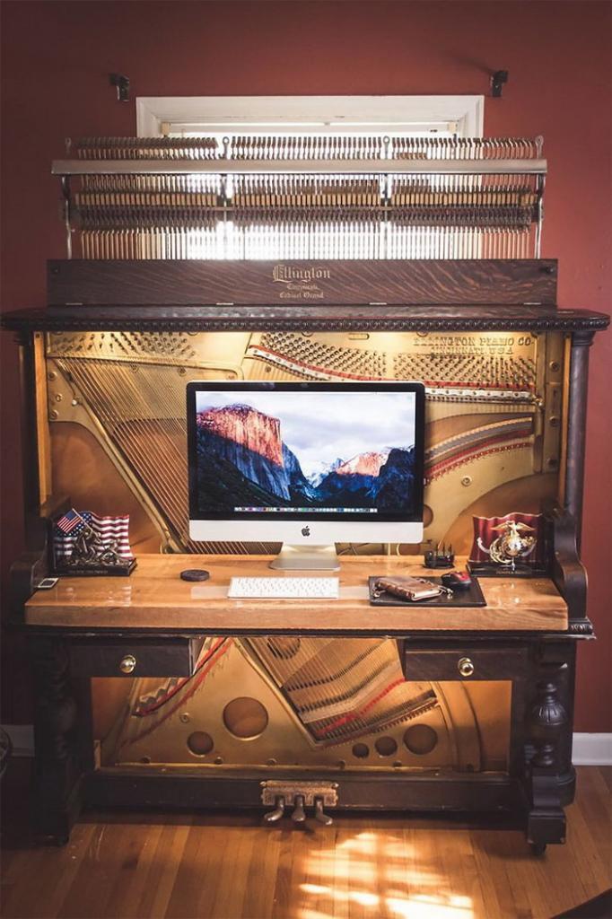 Из пианино, которому больше 100 лет, сделали необычный рабочий стол
