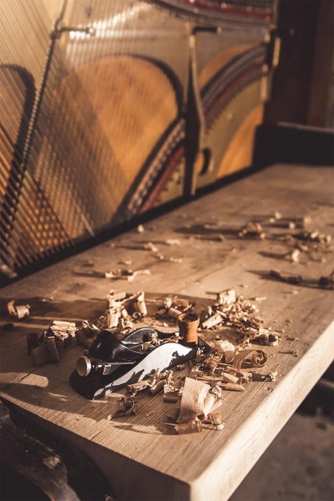 100_летнее пианино превратили в рабочий стол класса люкс (5)