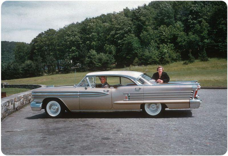 Американцы и их стильные автомобили в 50_е годы (8)