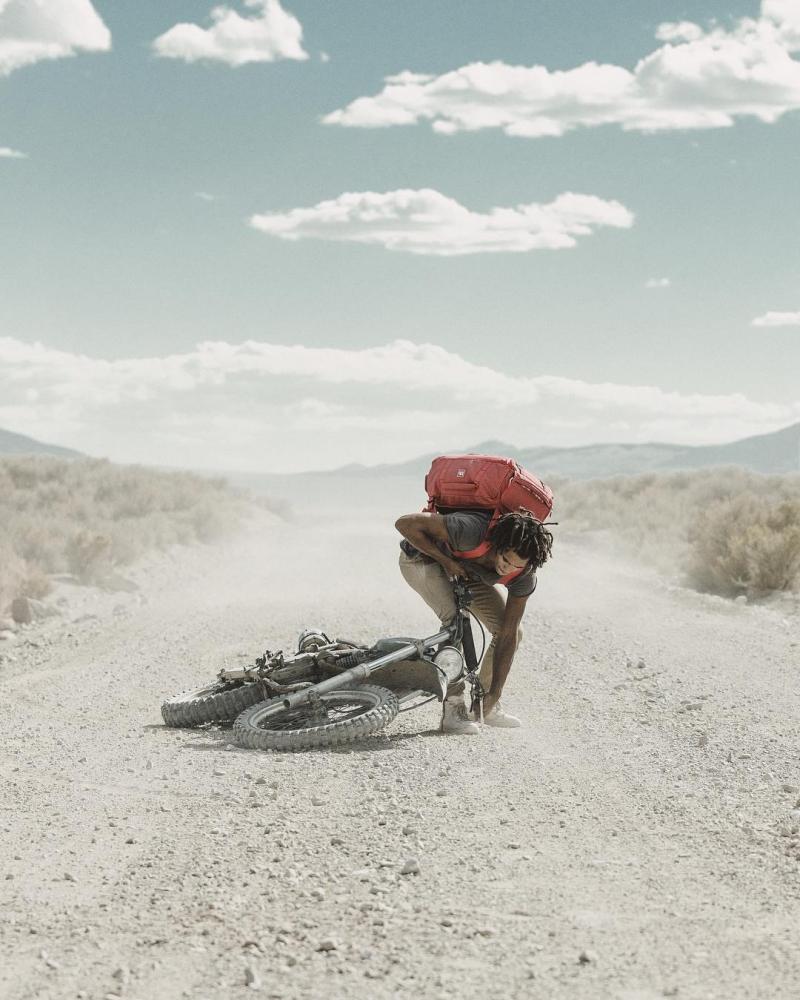 Автомобили и мотоциклы на снимках Аарона Бримхолла (11)