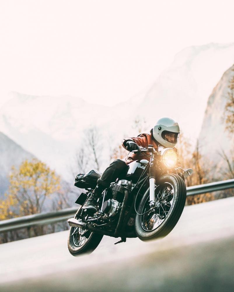 Автомобили и мотоциклы на снимках Аарона Бримхолла (14)
