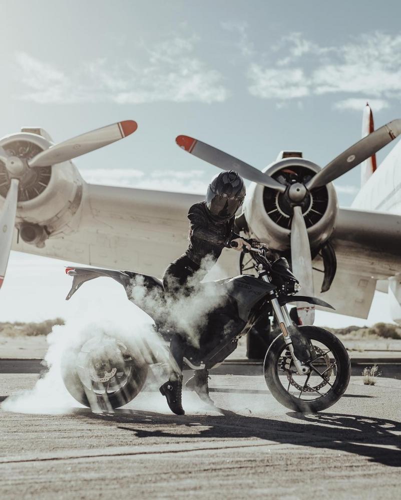Автомобили и мотоциклы на снимках Аарона Бримхолла (6)