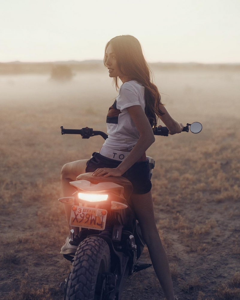 Автомобили и мотоциклы на снимках Аарона Бримхолла (8)