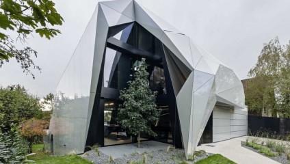 Дом из будущего: граненый алмаз в Вене