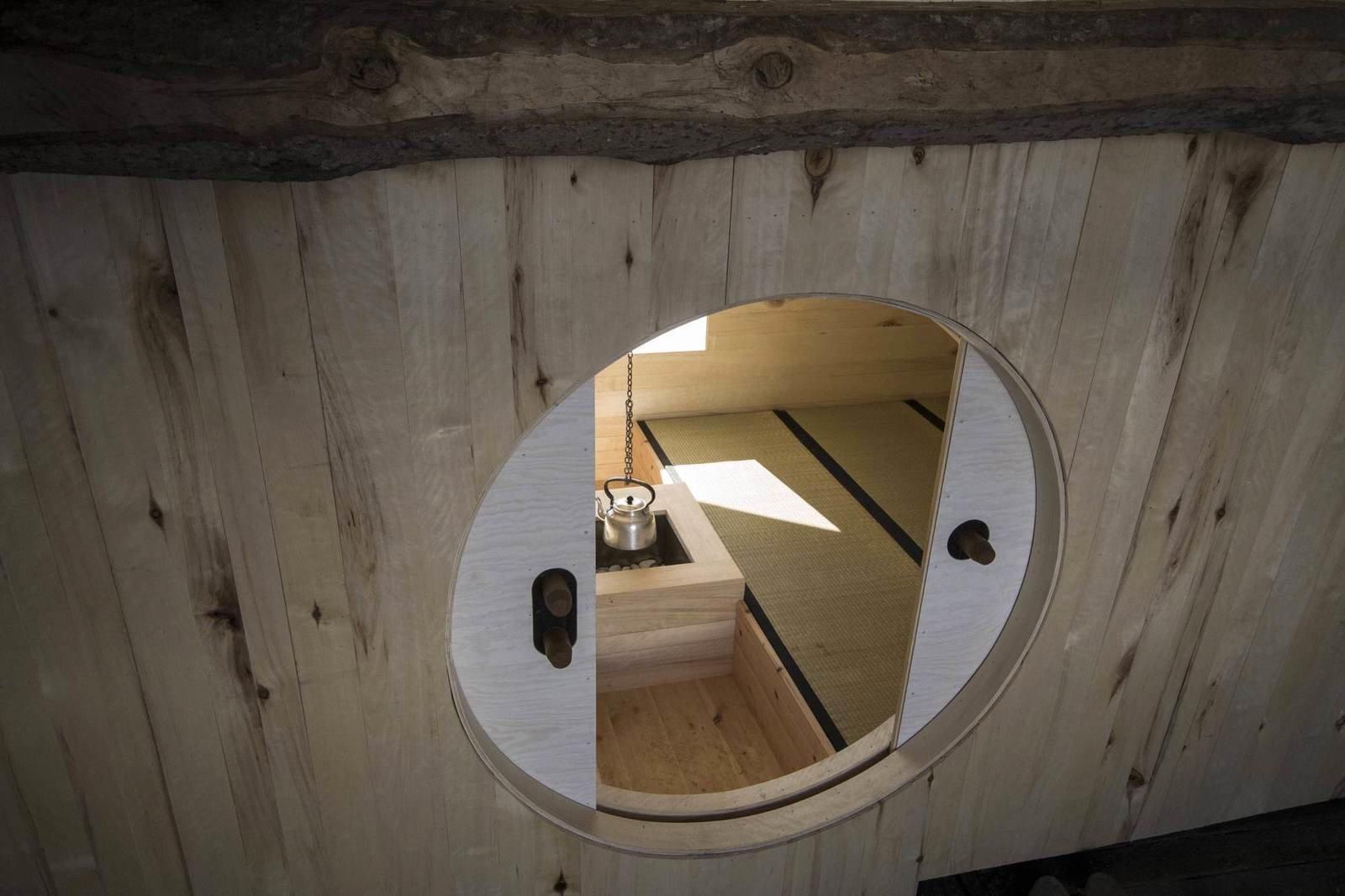 Домик из старого сарая в Норвегии (2)
