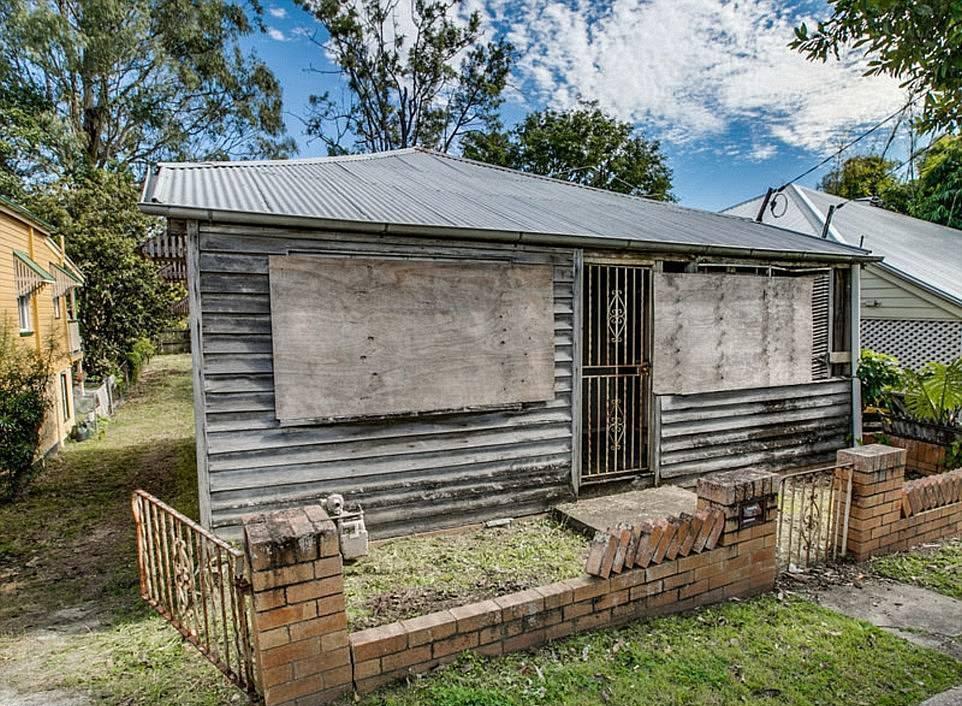 Худший дом Австралии превратили в современный особняк (1)