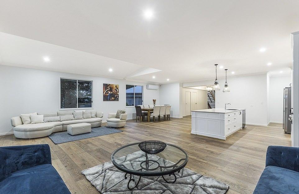 Худший дом Австралии превратили в современный особняк (8)