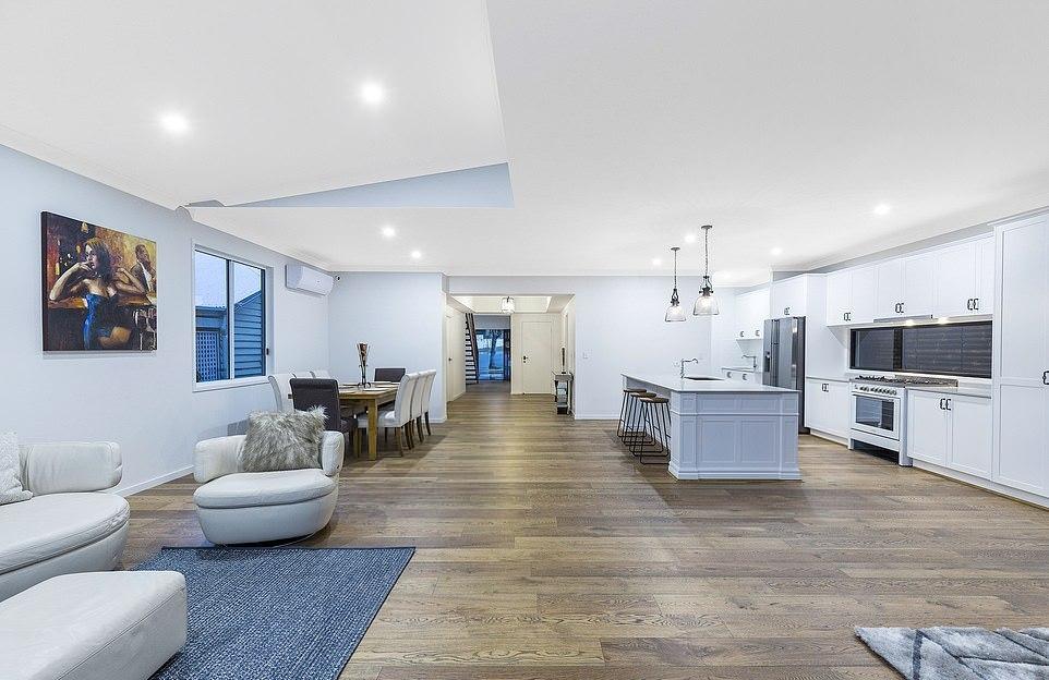 Худший дом Австралии превратили в современный особняк (9)