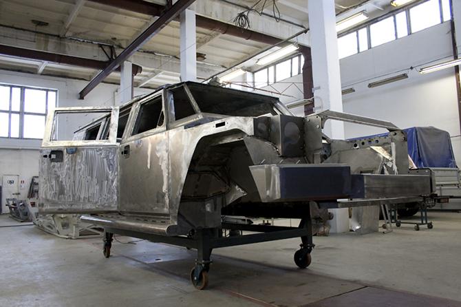 Бронированные машины: фоторепортаж с производства