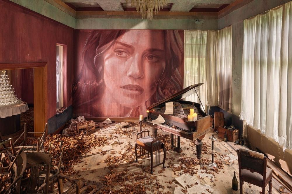 Красота среди руин_ художник превратил заброшенный особняк в уникальный арт_объект (6)