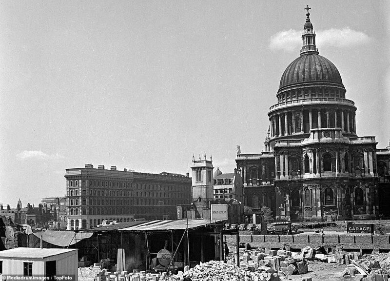 Лондонский блиц_ как британцы оправлялись от бомбежек нацистской Германии_19 фото _ 2 тянучки_ (10)