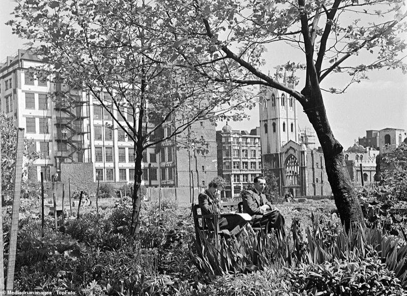 Лондонский блиц_ как британцы оправлялись от бомбежек нацистской Германии_19 фото _ 2 тянучки_ (12)
