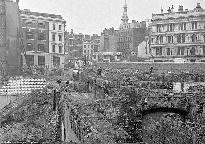Лондонский блиц_ как британцы оправлялись от бомбежек нацистской Германии_19 фото _ 2 тянучки_ (15)