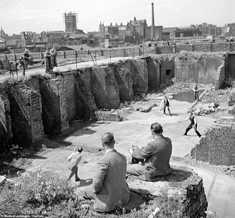 Лондонский блиц_ как британцы оправлялись от бомбежек нацистской Германии_19 фото _ 2 тянучки_ (2)
