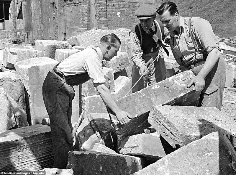 Лондонский блиц_ как британцы оправлялись от бомбежек нацистской Германии_19 фото _ 2 тянучки_ (5)