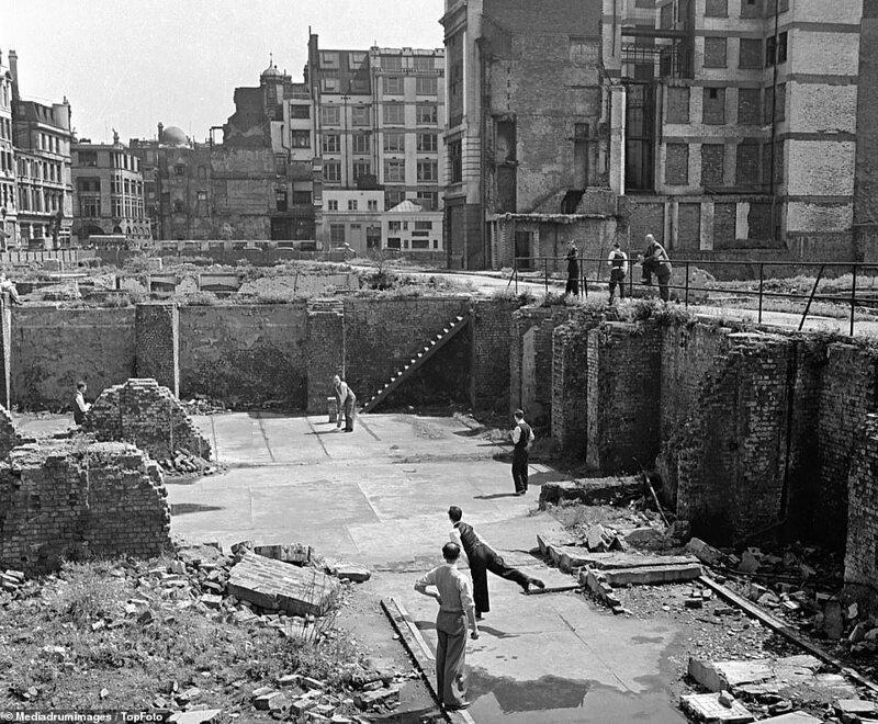 Лондонский блиц_ как британцы оправлялись от бомбежек нацистской Германии_19 фото _ 2 тянучки_ (6)