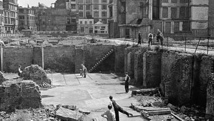 Последствия «Лондонского блица»: фото жизни британцев в 1950 году