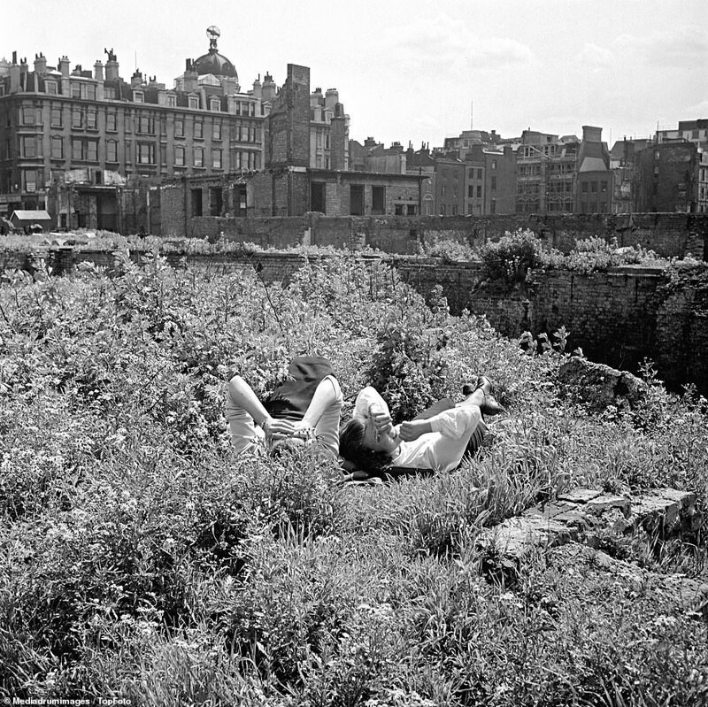 Лондонский блиц_ как британцы оправлялись от бомбежек нацистской Германии_19 фото _ 2 тянучки_ (8)