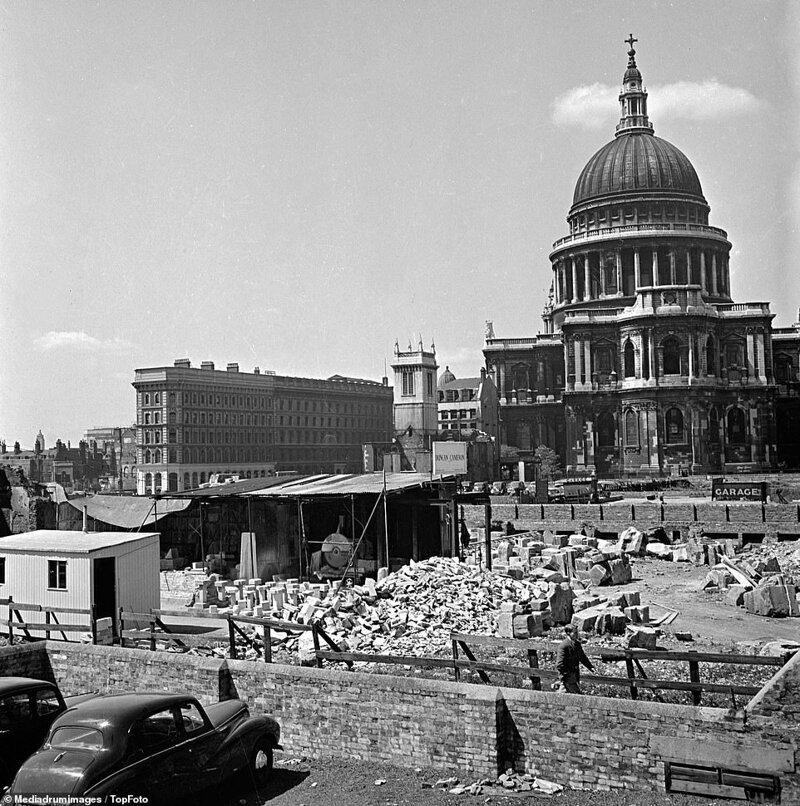 Лондонский блиц_ как британцы оправлялись от бомбежек нацистской Германии_19 фото _ 2 тянучки_ (9)