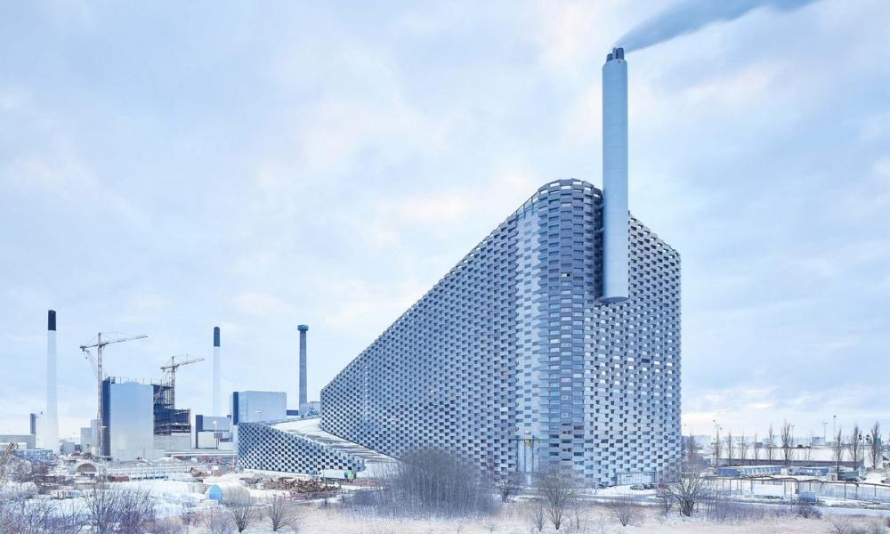 Лыжный склон на датском мусоросжигающем заводе (13)