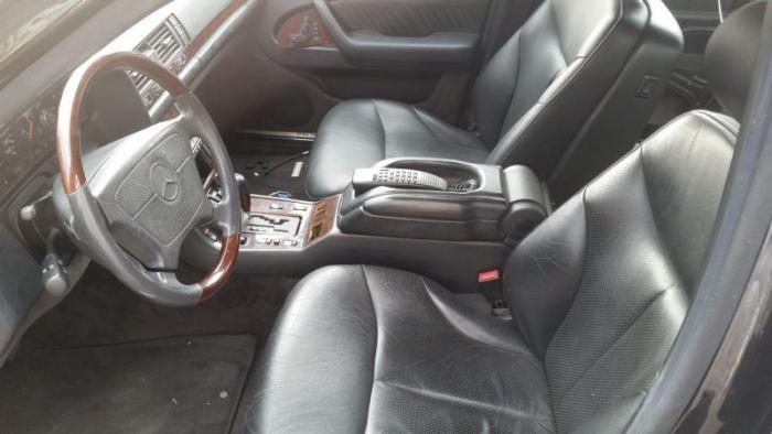 Mercedes_Benz W140 превратили в катафалк с кожаной крышей (5)