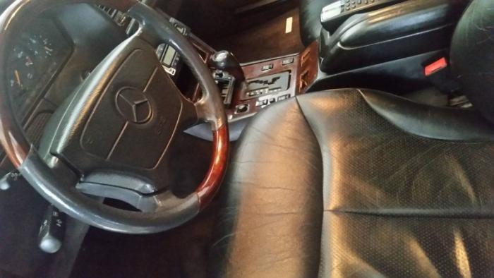 Mercedes_Benz W140 превратили в катафалк с кожаной крышей (6)