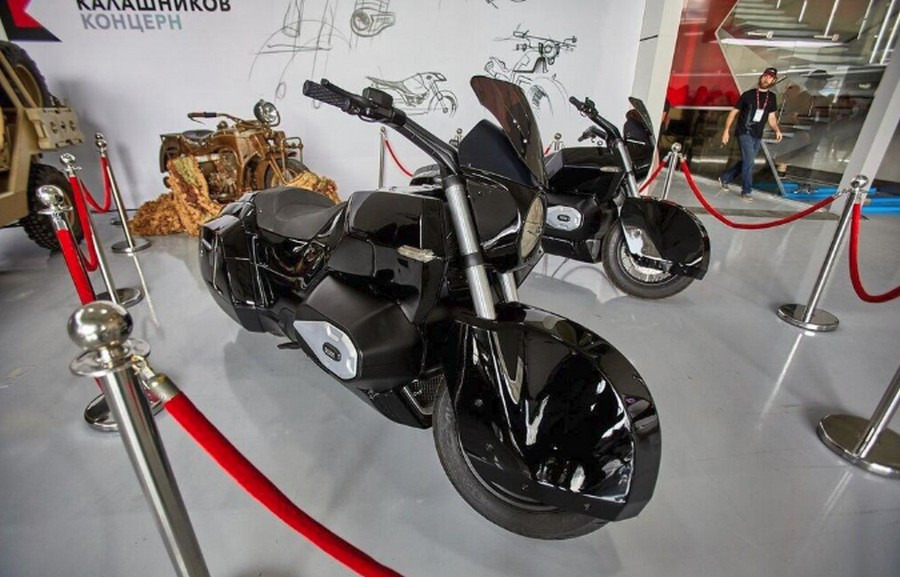 Мотоцикл &171_ИЖ кортеж&187_ стоимостью 4 000 000 рублей (4)