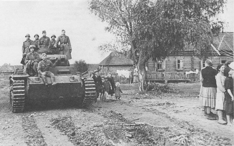 Немецкий средний танк T_III. Памятка бойцу РККА_17 фото_ (3)