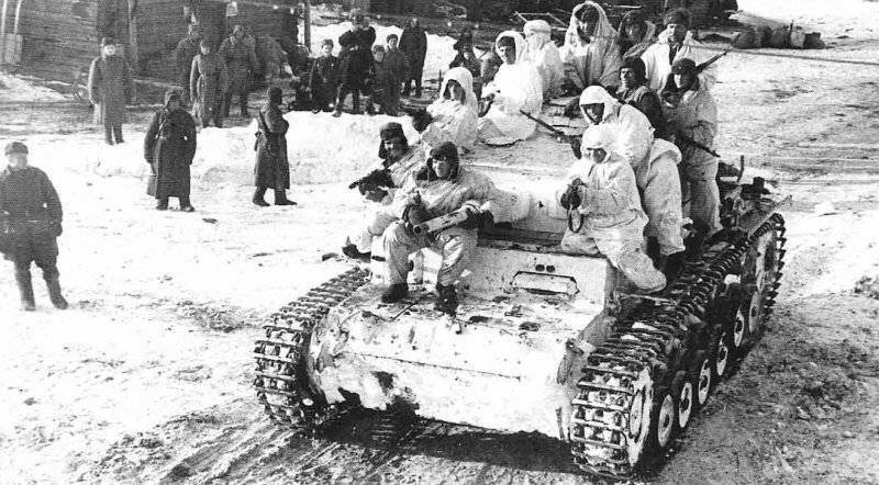 Немецкий средний танк T_III. Памятка бойцу РККА_17 фото_ (6)