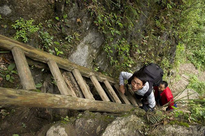 Опасная дорога в школу (21 фото) (2)
