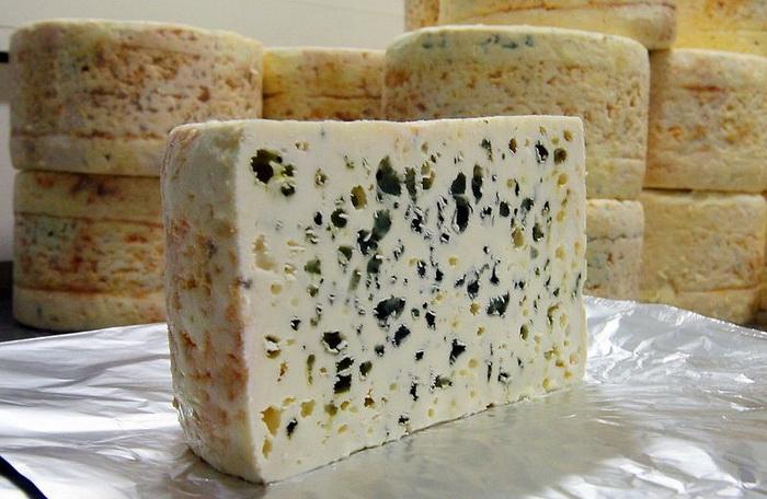 Сыр рокфор: тайны старинного рецепта