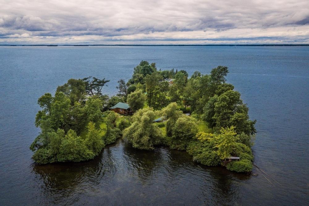 В Канаде продается живописный остров за _520 000 (1)