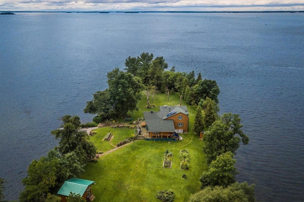 В Канаде продается живописный остров за _520 000 (4)