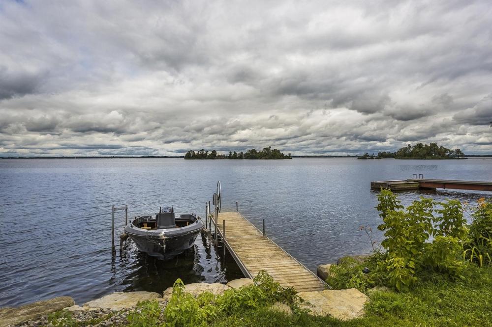 В Канаде продается живописный остров за _520 000 (6)