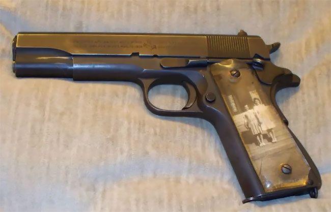 Во время Второй мировой солдаты мастерили рукоятки пистолетов с фото родных (13 фото) (7)