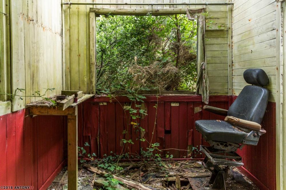 Жуткий заброшенный тематический парк «Дикий Запад» в Корнуолле (8)