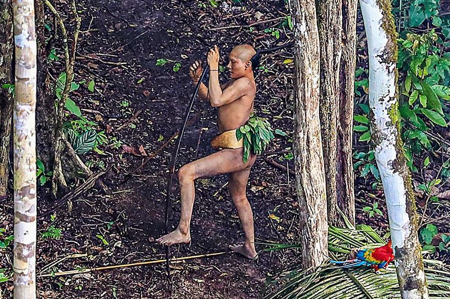 foto-dikogo-plemeni-s-Amazonki-8